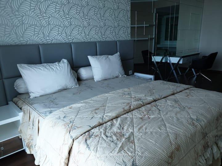 Big 3 bedroom apartment in the heart of Surabaya