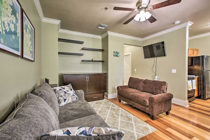 NEW! Studio w/ Balcony, 0.5 Mi to Tiger Stadium!