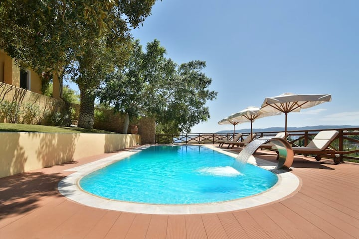 Villa with 4 bedrooms in Kosta, with wonderful sea view, private pool, enclosed garden - 500 m from the beach