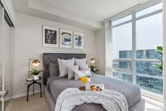 Luxury+Style+High+Rise+Suite+-+Downtown+Toronto