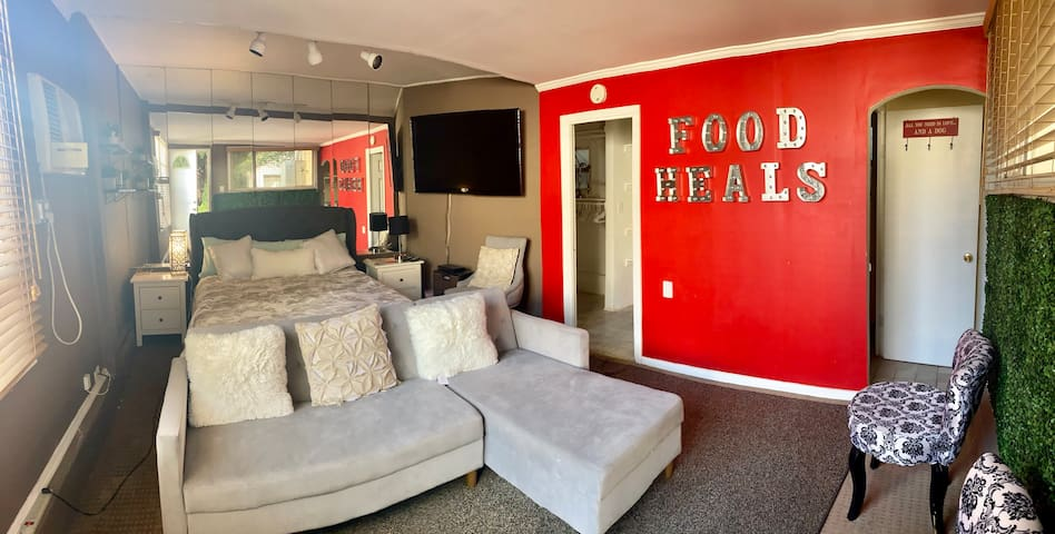 Stunning Guest House w/ large yard Weho/Bev Hills