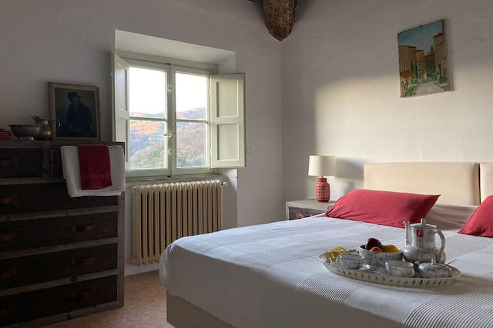 Charming room with views of the Apennine mountains