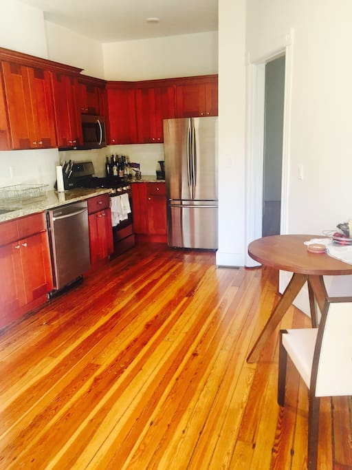 Spacious, eat-in kitchen with dishwasher and stainless steel appliances