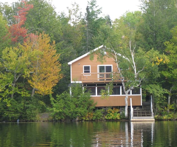 4BR within 5 feet of the water