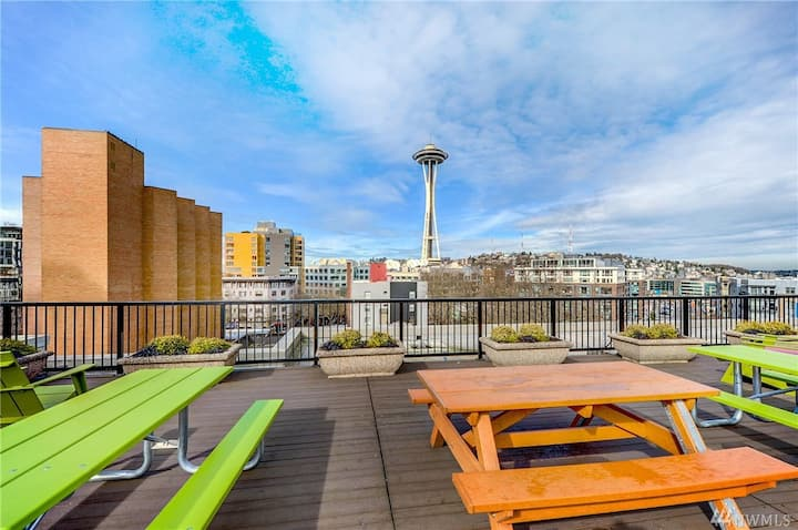 Elegant Condo in Heart of Seattle