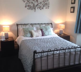 Comfy double, own bathroom+lounge! - Havant