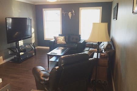 Private Suite 2 Bedroom with Kitchen - Maple Ridge