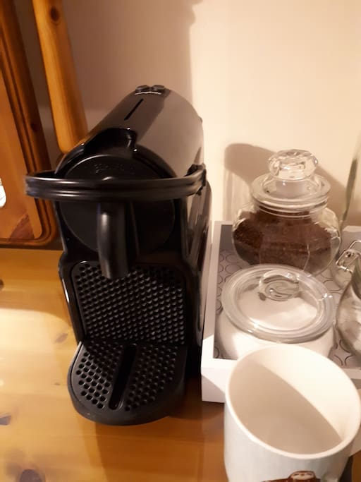 Nespresso machine and tea tray