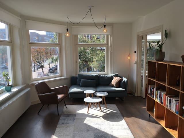Light and spacious apartment in authentic neighbor