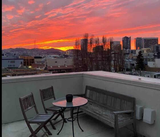 Upscale SOMA loft-Priv. balcony breathtaking view