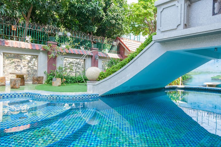 Deluxe villa with private swimming pool