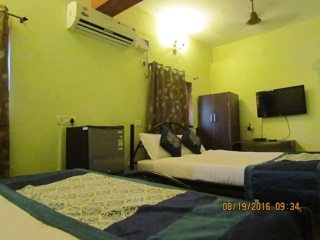 01 AC rooms 02 king size bed - Vagator - Leilighet