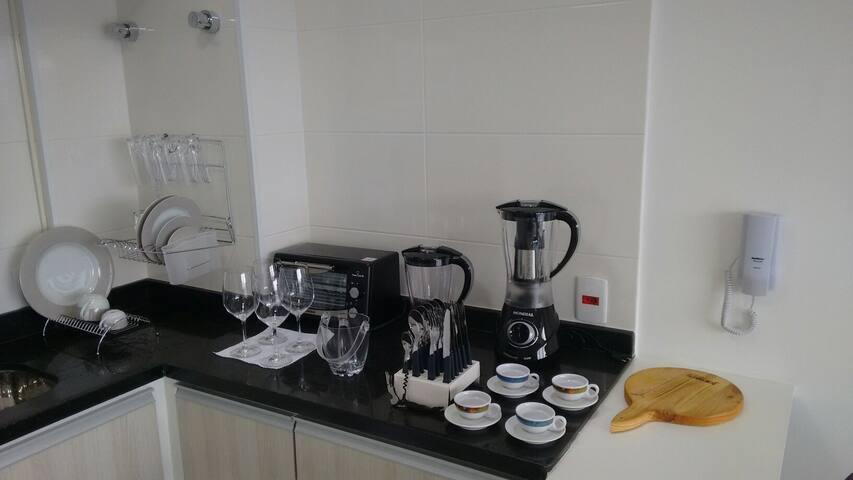 Cozinha basica, com todos os utensílios