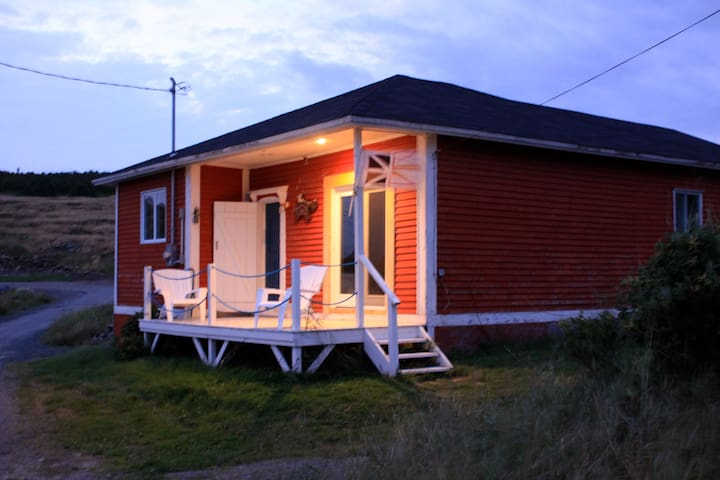 Cottage by the Sea in English Harbour