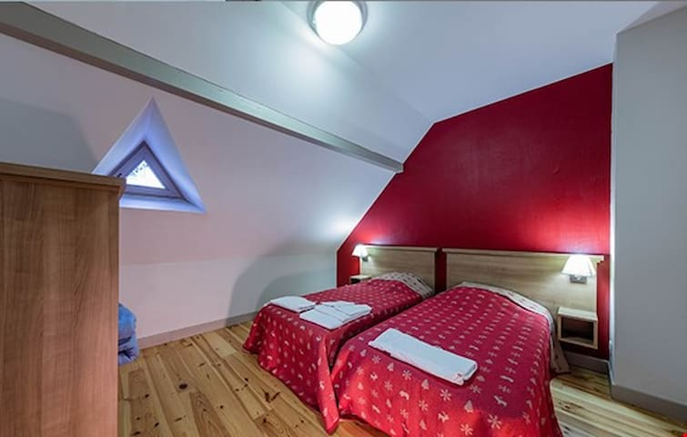 The bedrooms either have 2 singles each or 1 double bed - let us know what you prefer!