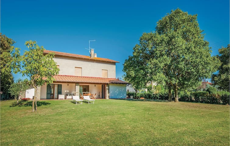 Holiday cottage with 3 bedrooms on 110m² in Monte San Savino AR