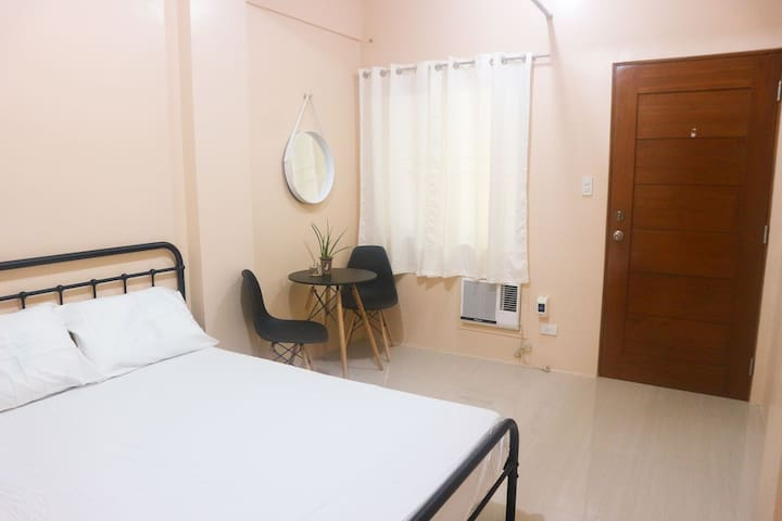 BUDGET room for two (J) | Iloilo City| Happy Hues