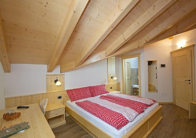 Family room in Val di Fiemme - Predazzo - Bed & Breakfast