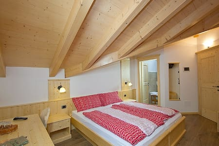 Family room in Val di Fiemme - Predazzo - Bed & Breakfast