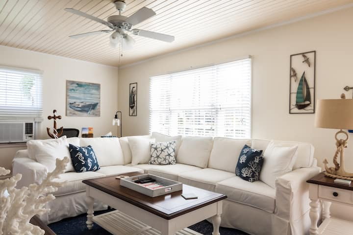 Newly Renovated Downtown Delray Beach Retreat