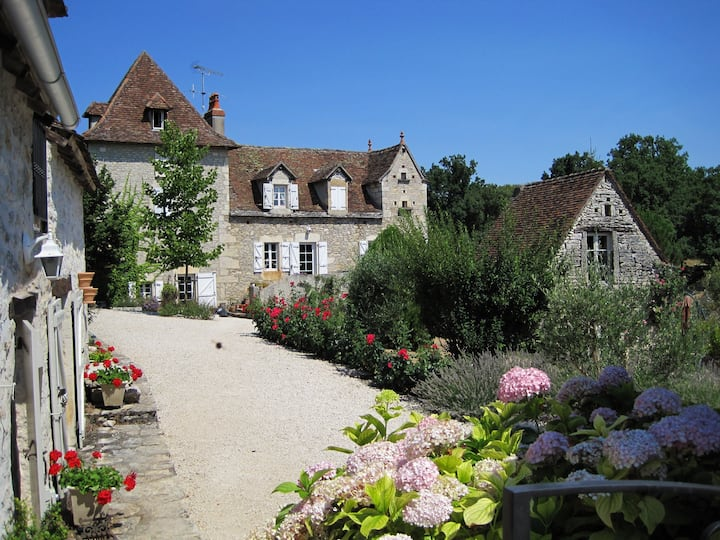 Mooie gîte op prachtig domein in Zuid-Frankrijk LL