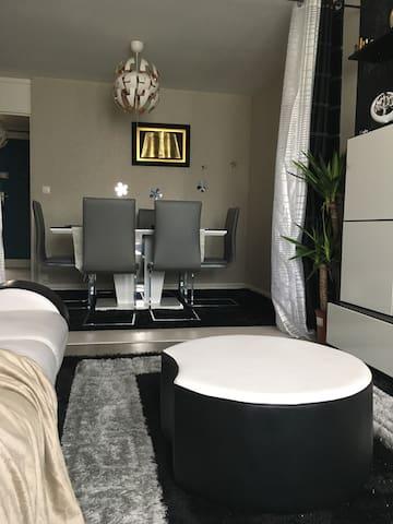 chambre dans bel Appartement - La Queue-en-Brie - Квартира