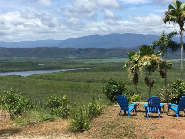 Daintree Up the Hill Off the Grid Retreat
