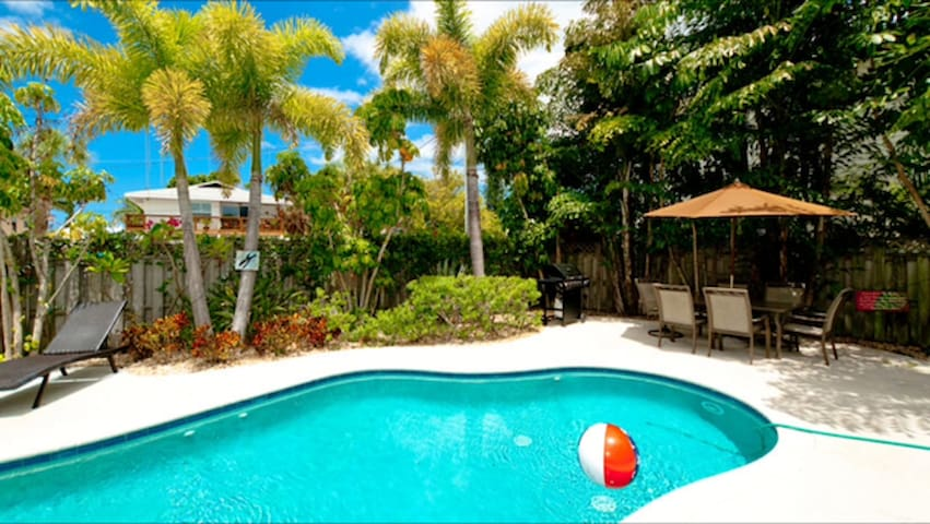 Beautifully landscaped pool area