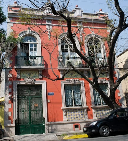THE BEST HOUSE IN CONDESA - Città del Messico - Bed & Breakfast