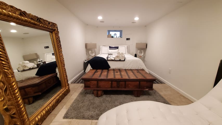 Elegant room near Downtown