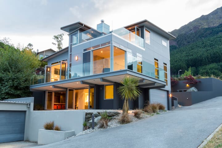 Beautiful Views of Queenstown at Anana House - Queenstown - Ev
