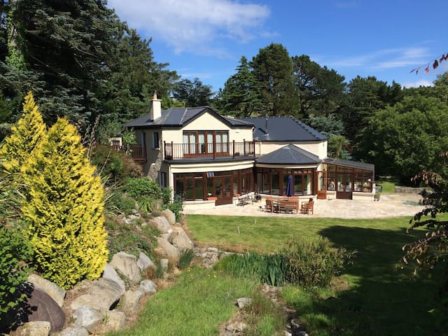 Country House & gardens,golf/hiking - Kilmacanoge