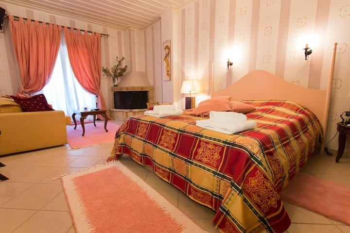 HOTEL MELAMPOUS ΚΑΛΑΒΡΥΤΑ - Kato Lousi - Квартира