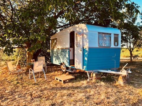 Hébergement Insolite - Caravane Vintage 1968