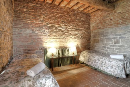 Borgo Monticelli 5-room apartment 170 m² in Perugia - ペルージャ