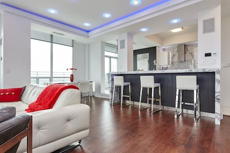 Luxury PH LOFT Condo Away From Home - Mississauga - Loft