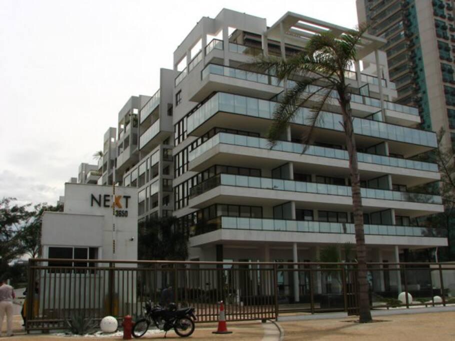 Building's facade / Fachada do prédio