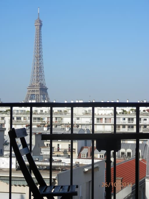 Terrasse avec vue sur tour eiffel appartements louer for Chambre de bonne a louer paris pas cher