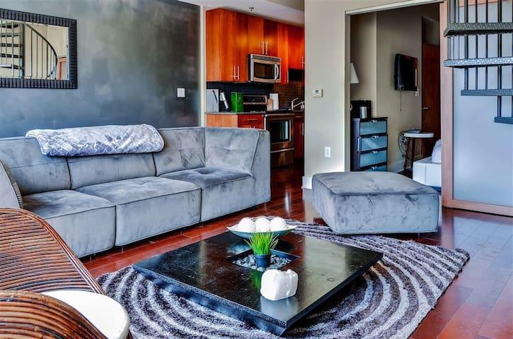 Buckhead Luxury condo with PRIVATE ROOFTOP