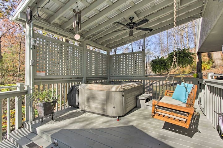 Open For Bookings! Private Getaway Cabin w/Hot Tub