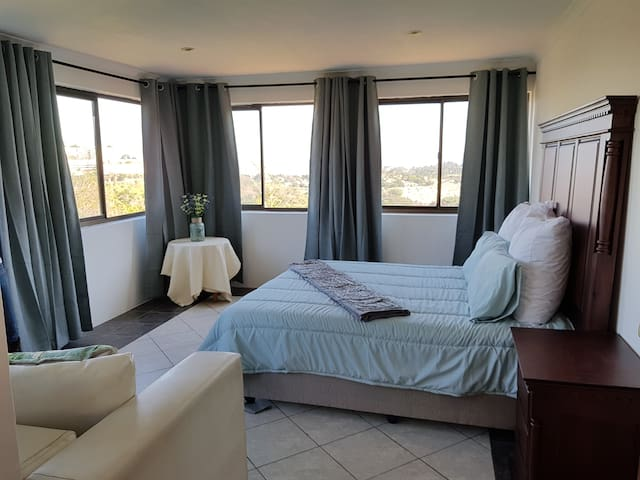 Room 5 Self-Catering, Cowies Hill Pinetown/Durban