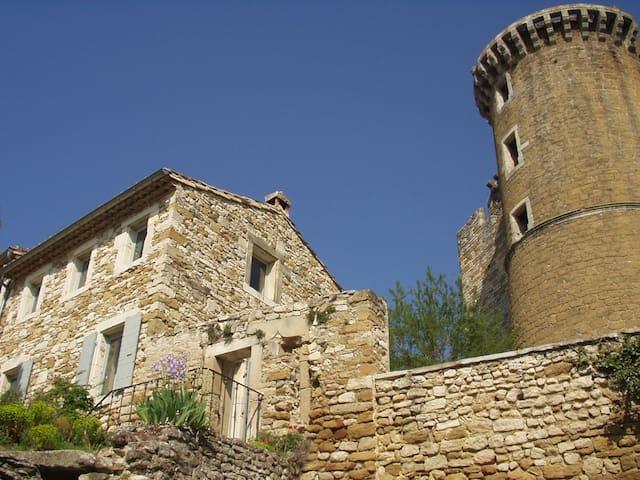 La Maison sous la Tour - La Baume de Transit