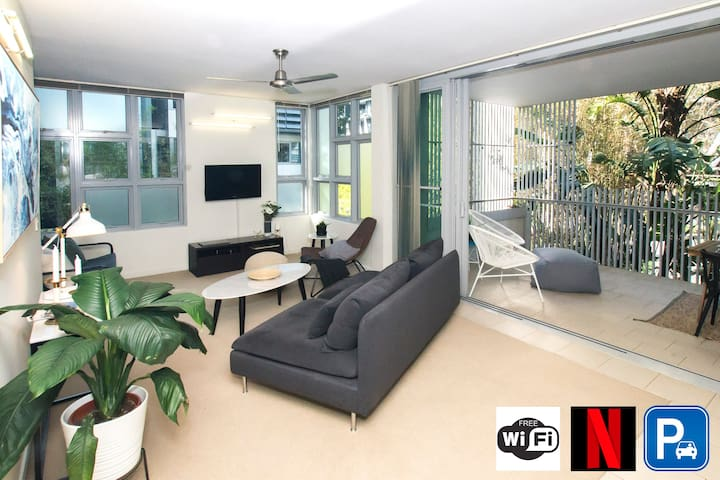 Most Convenient & Tropical Location In Brisbane!
