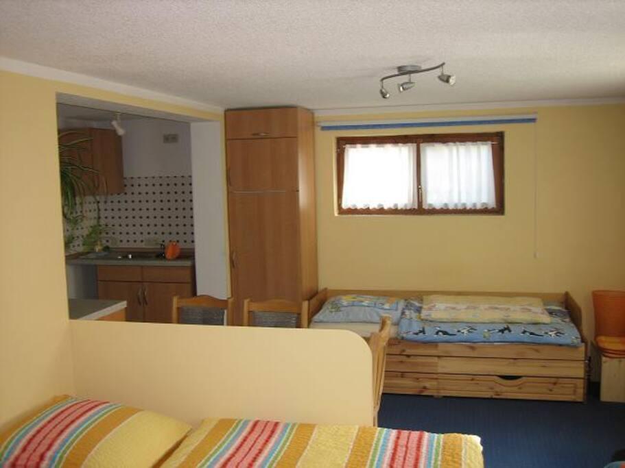 Küchennische und Bett (1m breit)