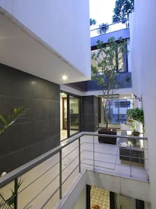 South Delhi Home with Beautiful Terrace: 1