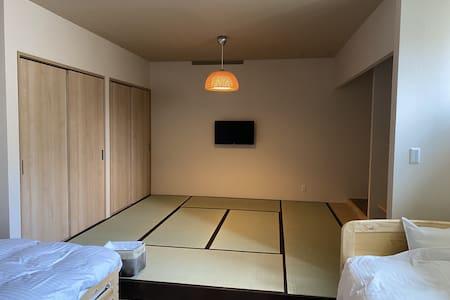 一般予約可「GOOD OLD HOTEL」洋和室3名~6名様 214号室 ぴちぴち (禁煙)