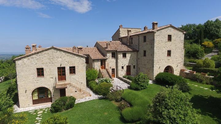 Chalet in historical Borgo in Tuscany - Sambuco