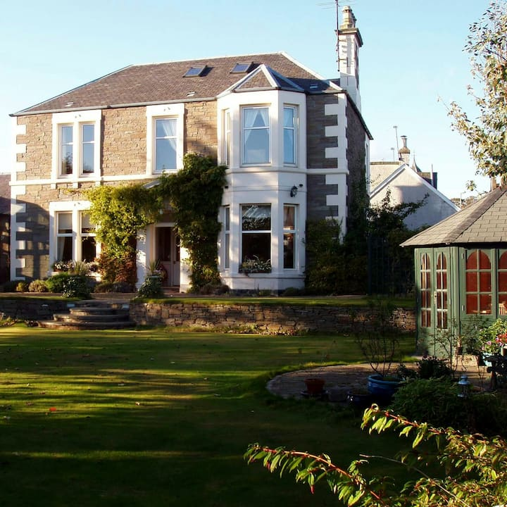 Self catering, exclusive use, Carnoustie, Angus