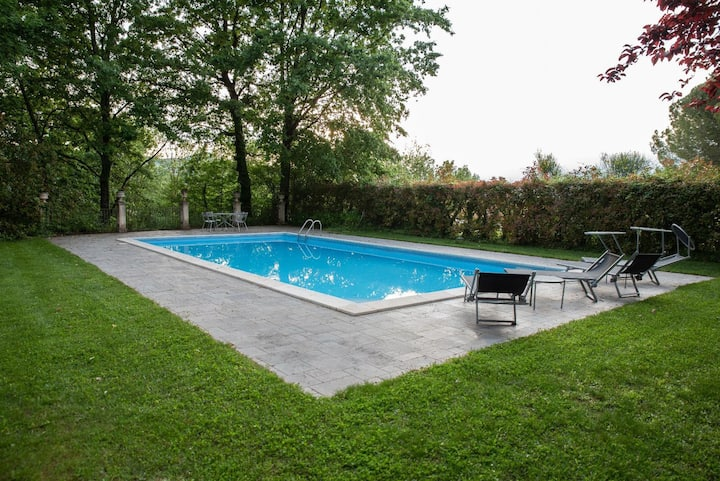 Villa with 4 bedrooms in Alvignano, with private pool and furnished garden - 30 km from the slopes