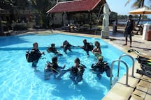 Introduction to Scuba diving. Our PADI & SSI Dive Centre